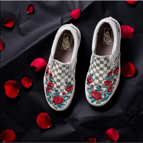 96e71f09297 Vans checked slip on with rose embroidery. NWT. Vans.  99  999. Size